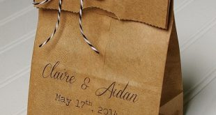 Personalized Wedding Favor Bags- Candy Bags. Kraft Paper. Bridal Shower Favor. Party Favors. Candy Buffet. Candy Bar