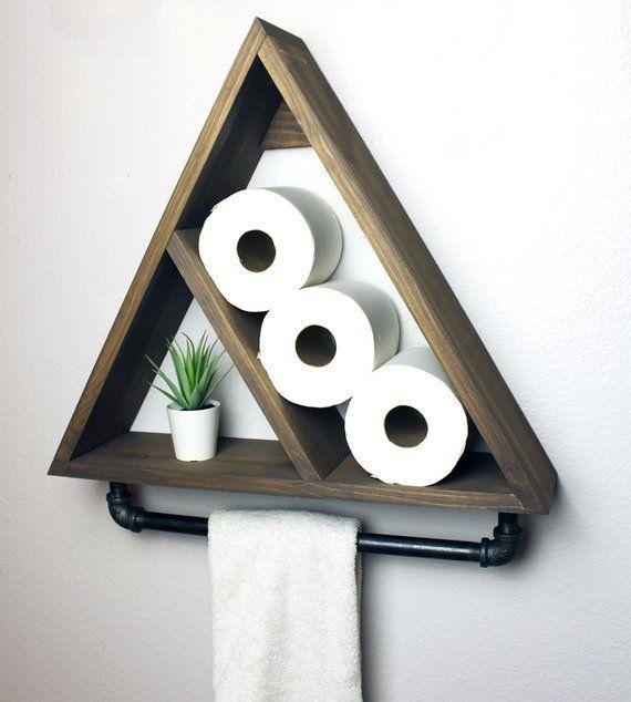 Dreieck Badezimmer Regal mit industriellem Bauernhaus